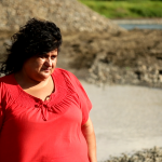 """""""გურული დონკიხოტი """"- ვინ არის აქტივისტი ქალი, რომელიც რეგიონის ბუნებას ხმალამოღებული იცავს"""
