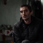 ბიჭი რომელიც ციხეში წამების შემდეგ ეტლს მიეჯაჭვა